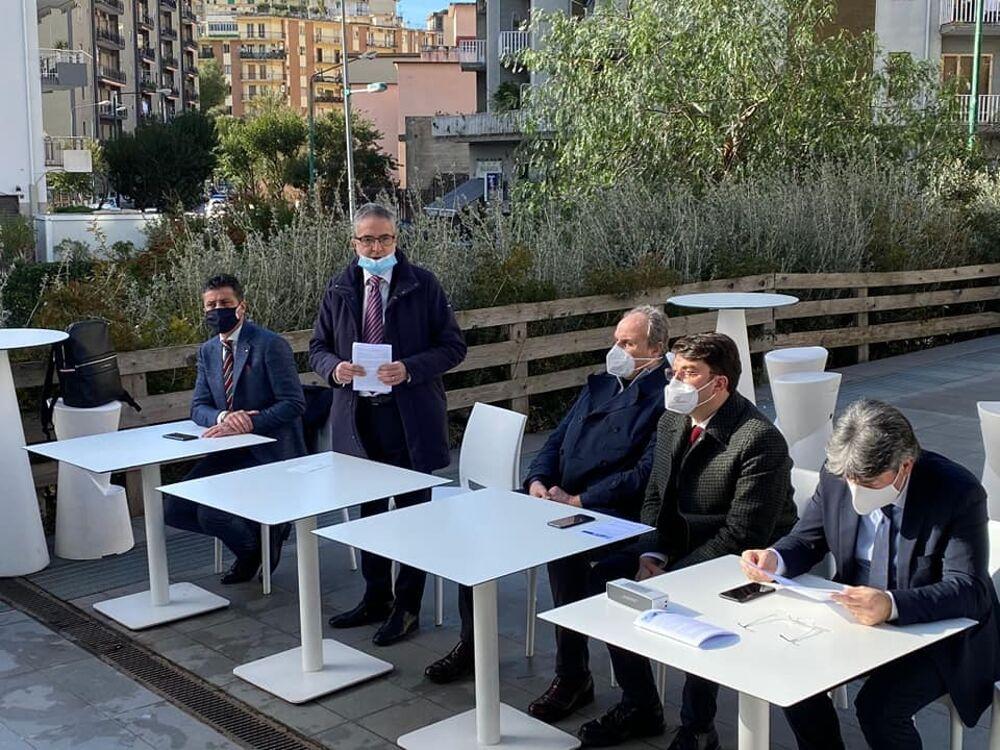 """Elezioni a Salerno, il """"Gruppo Oltre"""" verso la scelta del candidato sindaco: dialogo con M5S e Leu"""