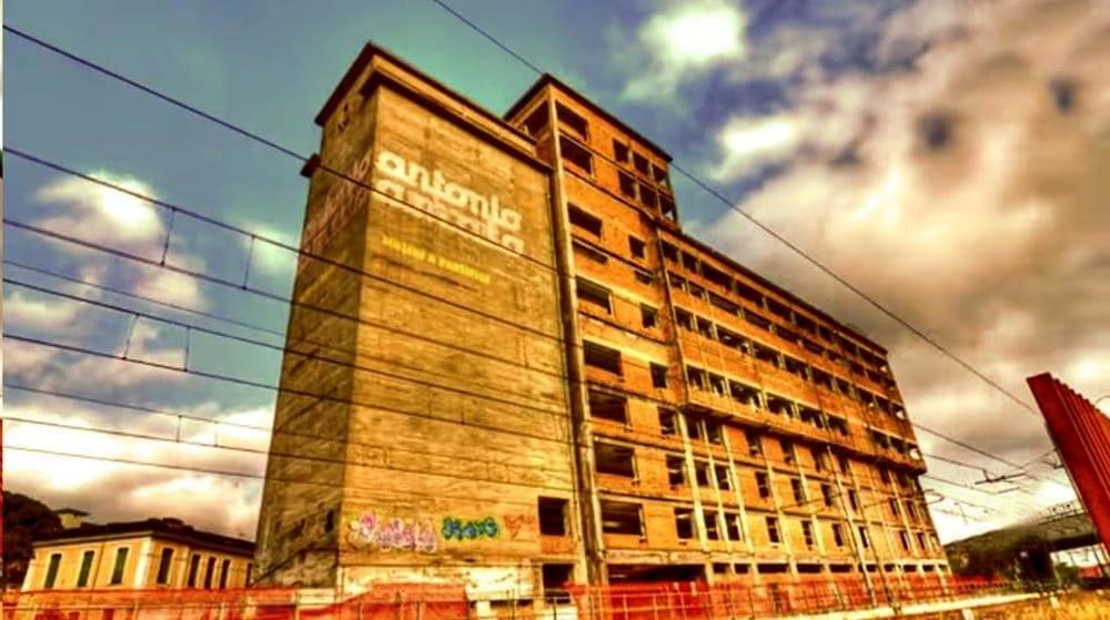 Salerno, al via le demolizioni nell'ex pastificio Amato: il nuovo progetto