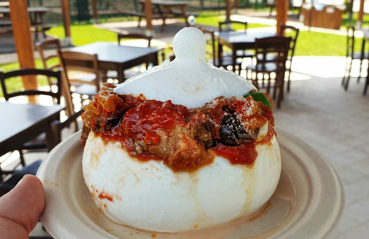 Panini, bufala e relax: nasce il Zizzona Village
