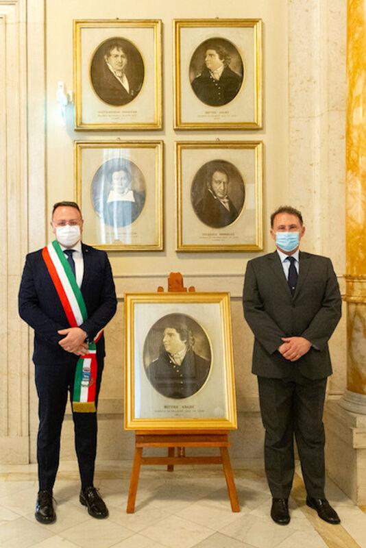 Camera, Fico e Cirielli consegnano il ritratto di Matteo Angelo Galdi al sindaco di Pellezzano