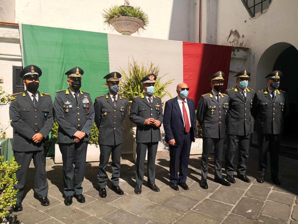 Salerno, il Prefetto Russo consegna le onorificenze alla Guardia di Finanza: ecco i premiati