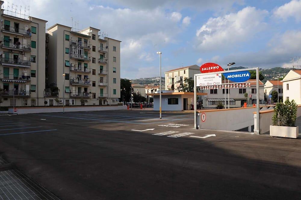 Parcheggi a Salerno: previsti aggiornamenti informatici, l'avviso