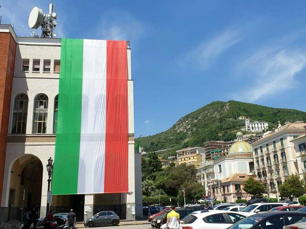 Festa della Repubblica: Salerno celebra il 75° anniversario, le onoreficenze e le medaglie