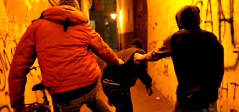 Battipaglia, movida violenta e rissa tra giovani: due minori denunciati