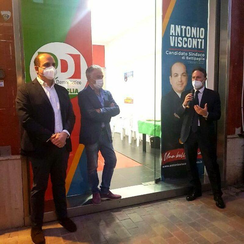 Elezioni a Battipaglia, aperto il comitato del Pd: presenti De Luca e Visconti
