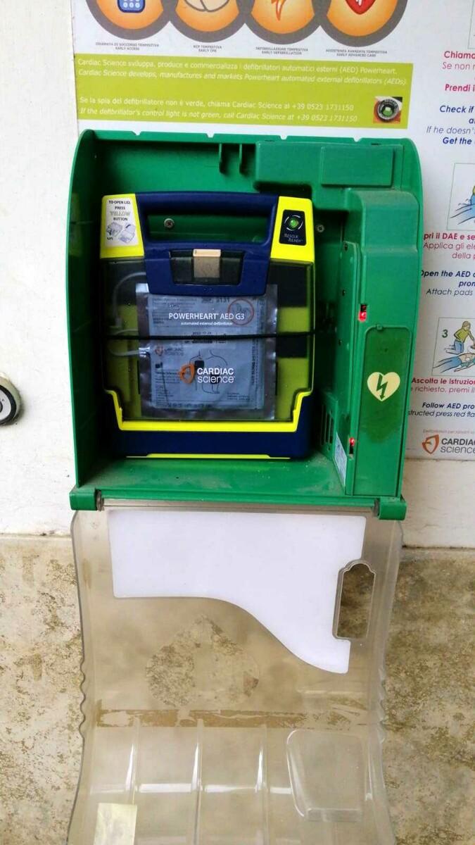 """Altavilla Silentina, restituito il defibrillatore dell'associazione """"La Panchina"""""""