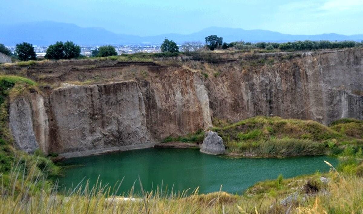 Montecorvino Pugliano, via libera alla messa in sicurezza dell'ex discarica di Colle Barone
