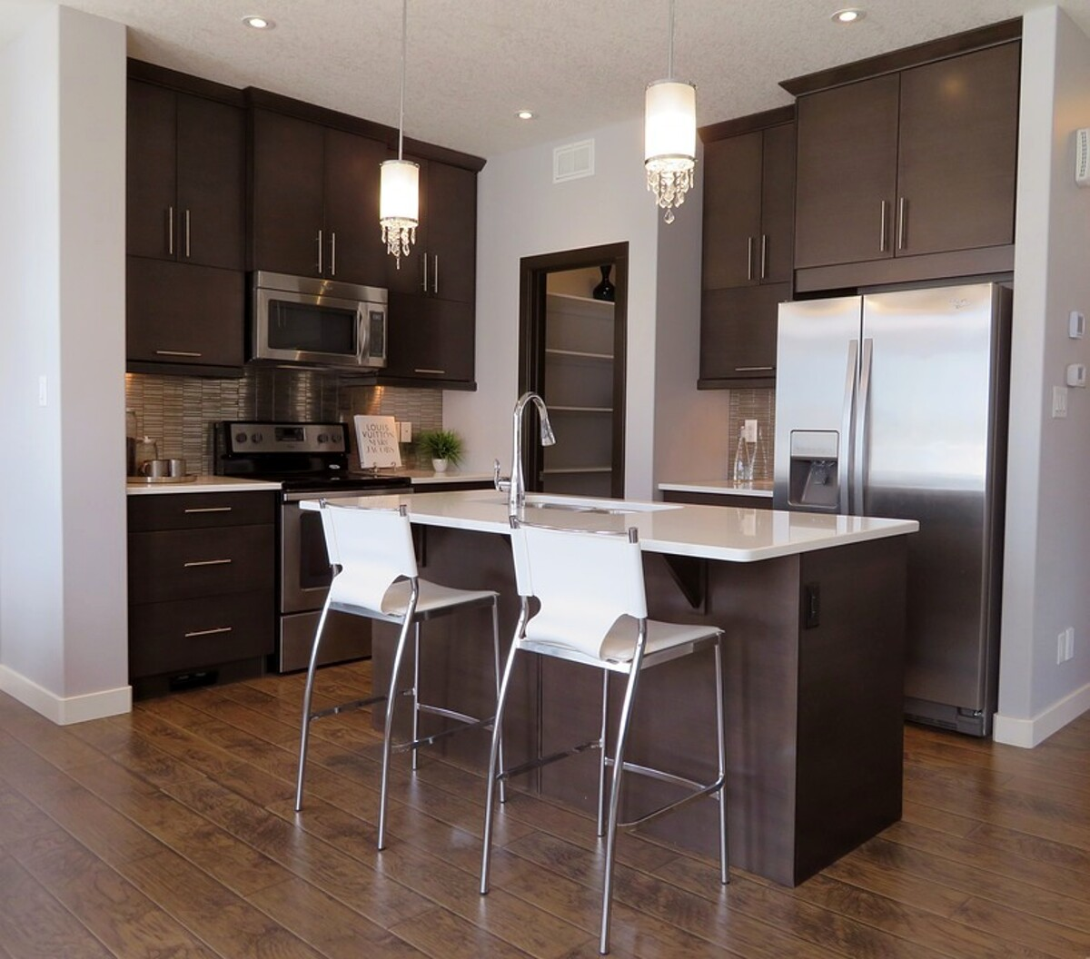 Arredamento: come scegliere il frigorifero giusto per la tua cucina