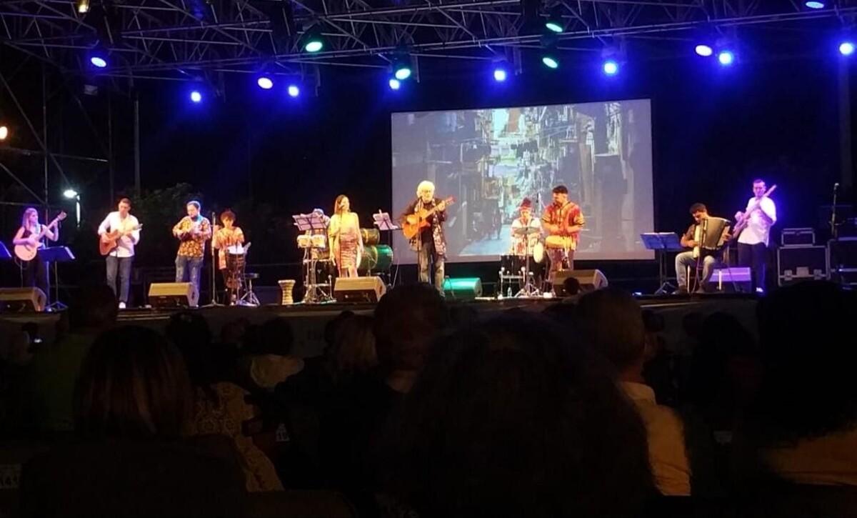 """Espedito De Marino e i """"Cordofoni Band"""" ripartono da Salerno"""