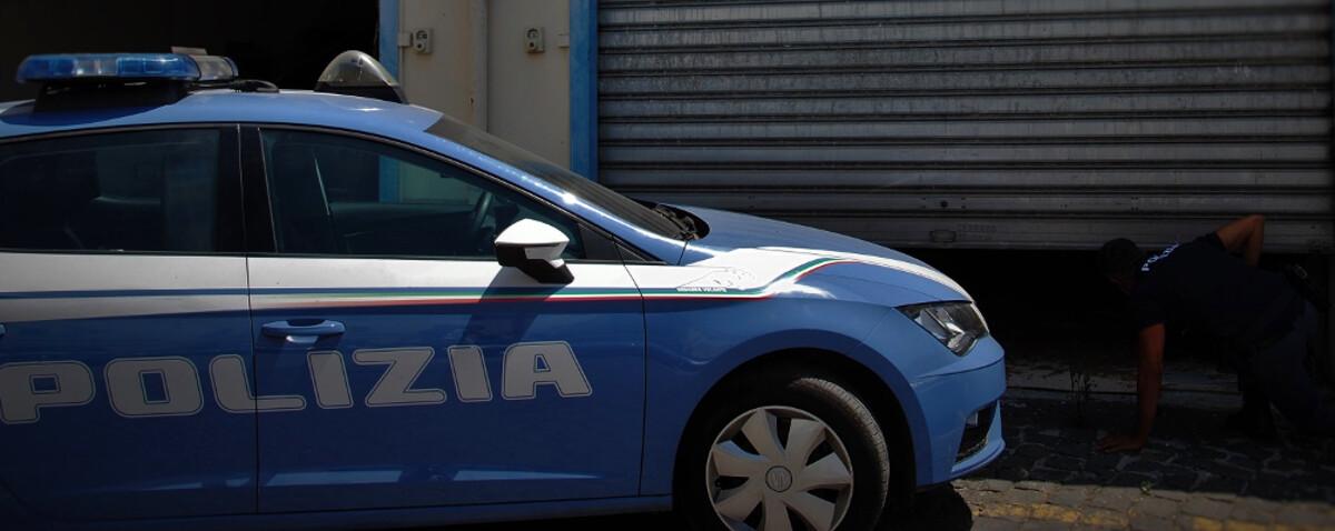 Sorpresi a rubare bici elettriche nei garage: arrestati due ladri a Salerno