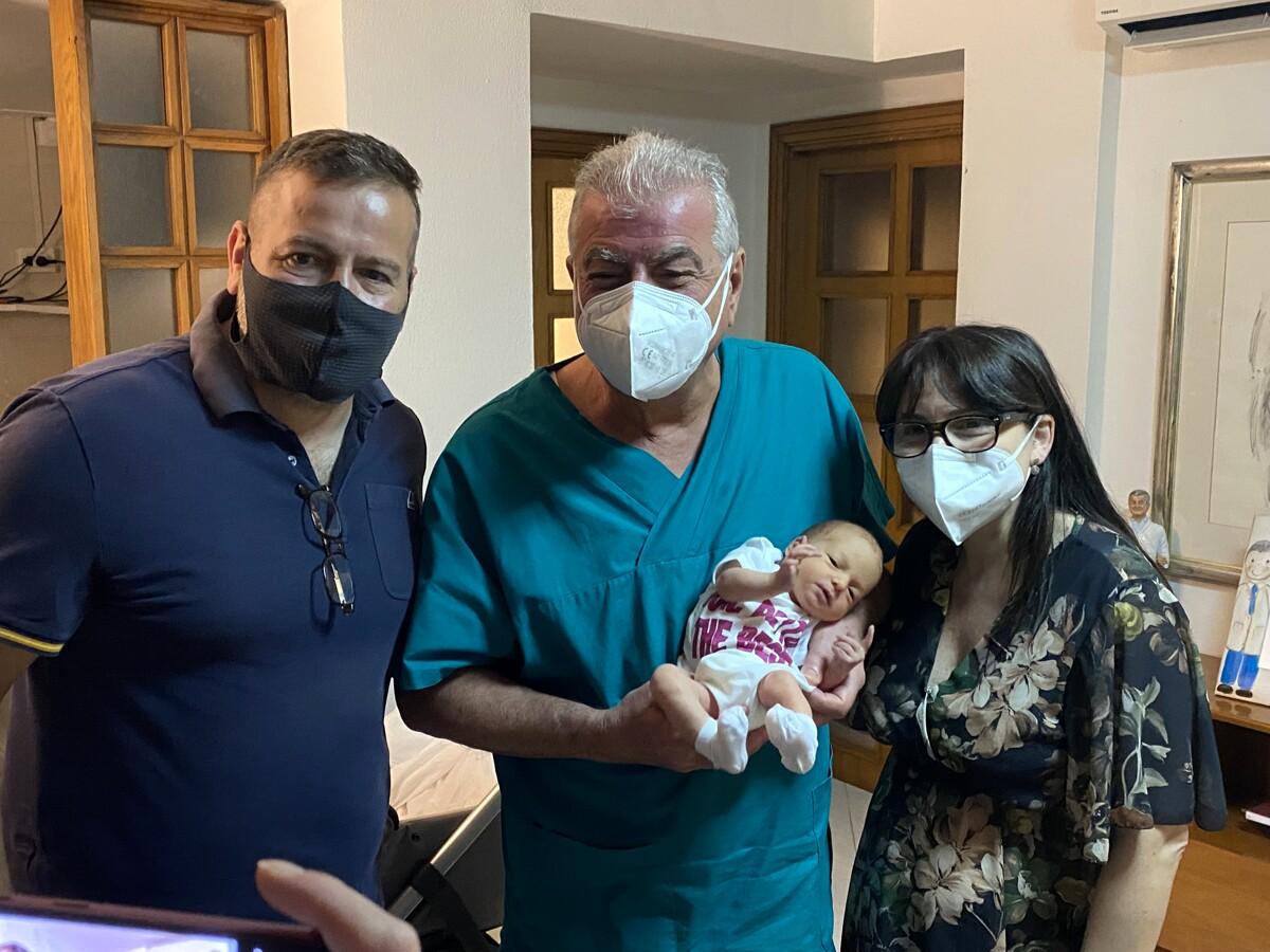 Dopo quattro aborti e due fecondazioni fallite diventa mamma: la storia di Francesca Di Martino