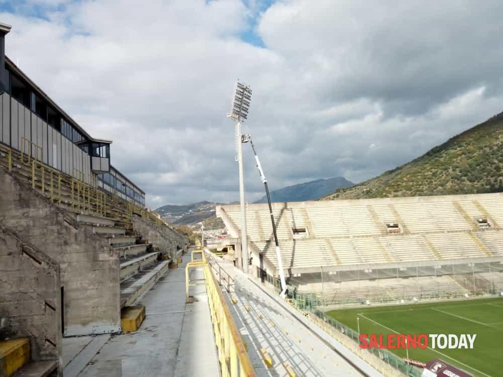 Salernitana in Serie A, assegnati i lavori per l'impianto di illuminazione dello stadio