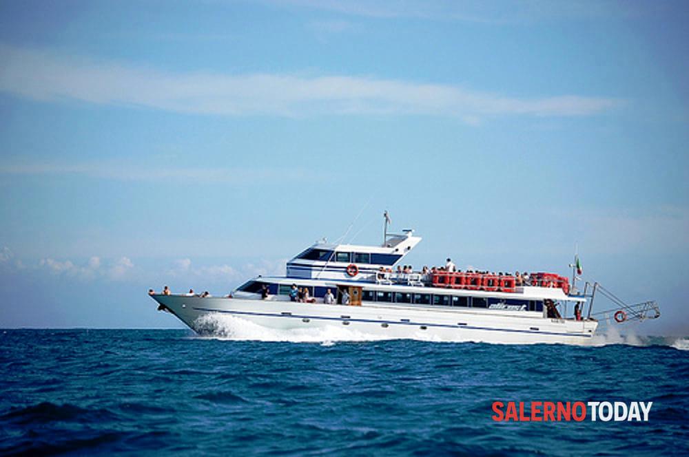 Il metrò del mare è in ritardo: rabbia e proteste in Cilento