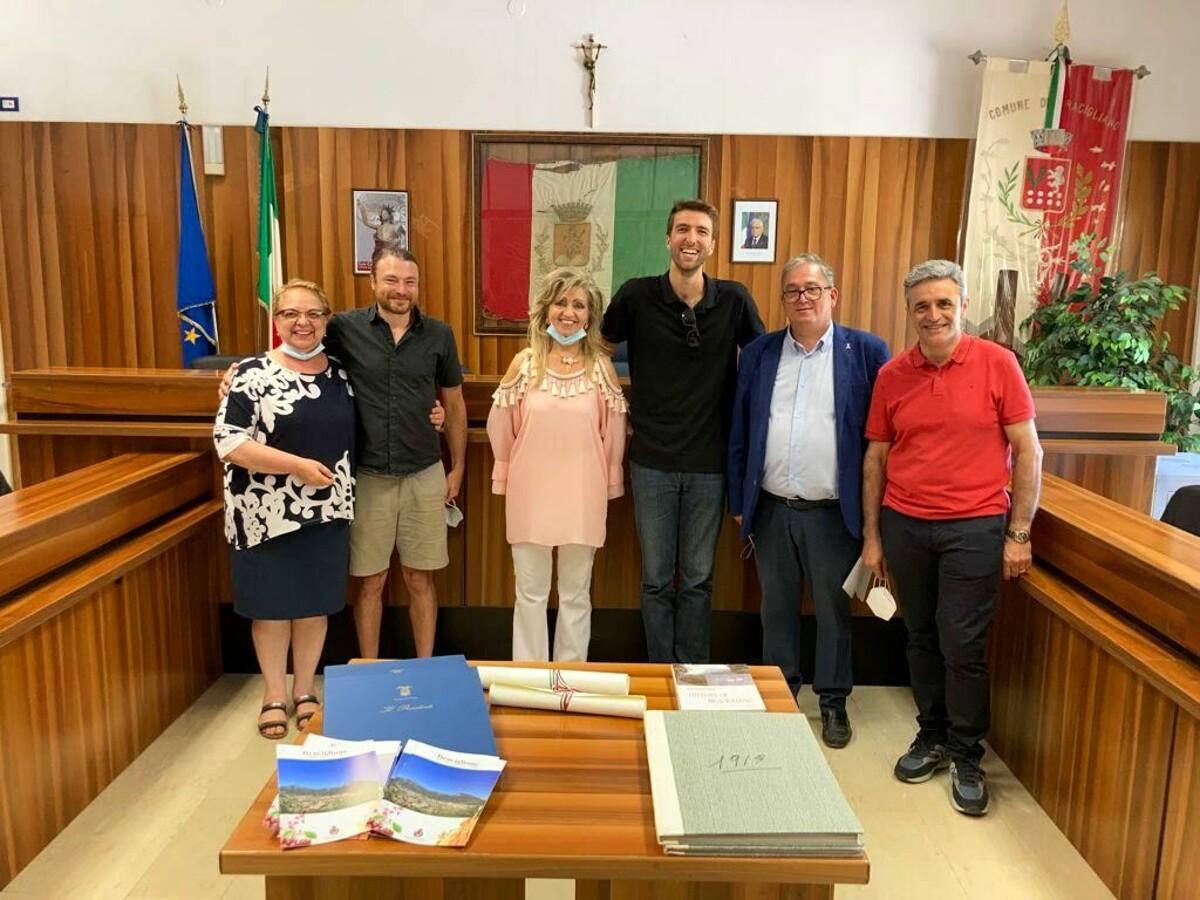 Michael Frank ed Antony Calvanese tornano a Bracigliano per ricordare i loro bisnonni