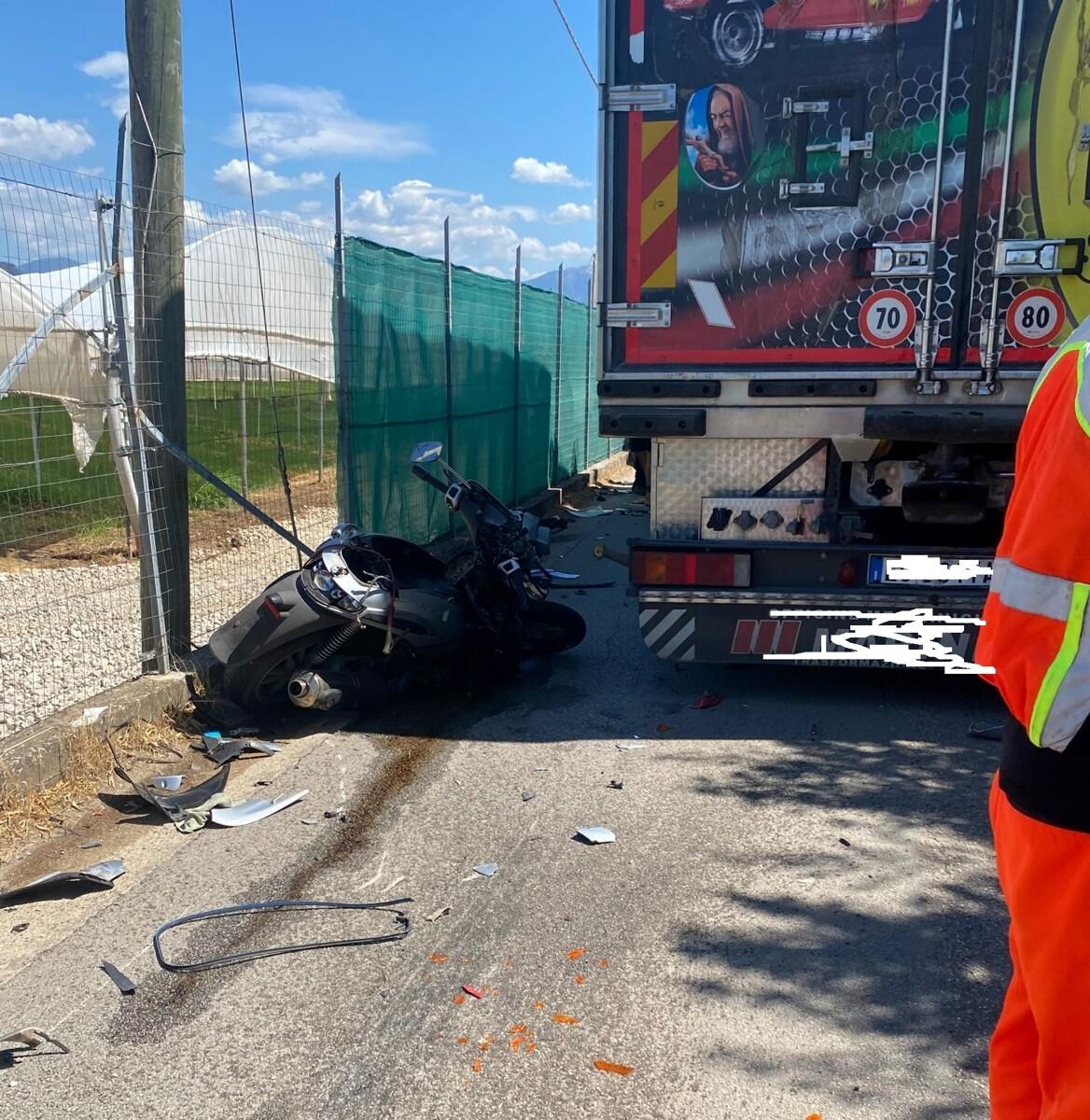 Tragico incidente stradale a Pontecagnano: muore un uomo