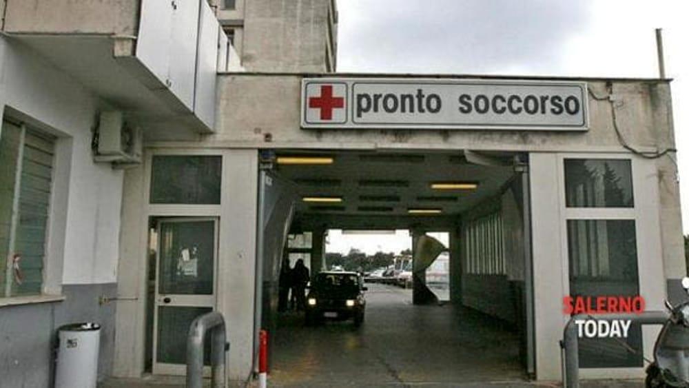 """De Luca e il nuovo Ruggi, Michele Sarno: """"Piove nel pronto soccorso, basta spot elettorali"""""""