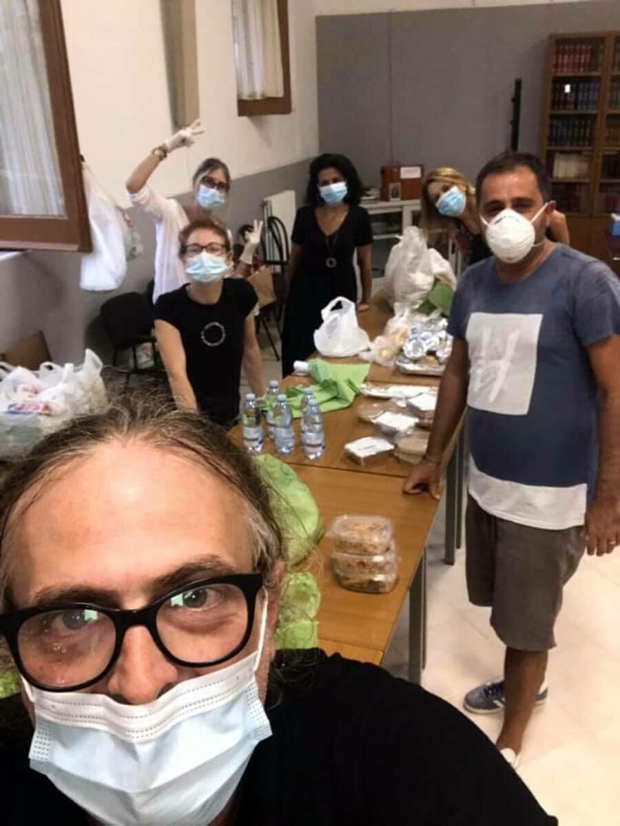 Pasti per i senzatetto a Salerno: al via la nuova mensa gestita da Venite Libenter