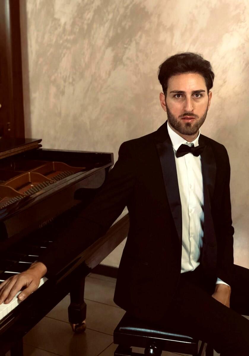 Musica: il pianista Armando Sabbarese è tra i 10 selezionati per l'Accademia della Musica di Pinerolo