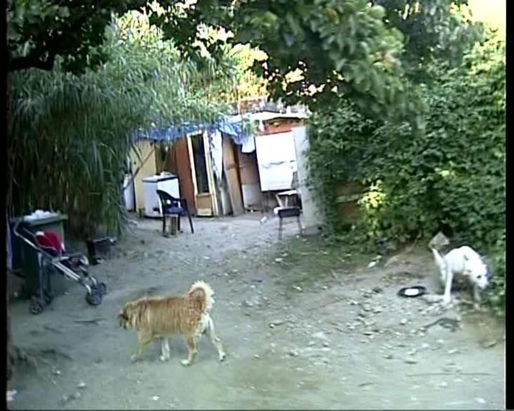 Campo rom di Giugliano: allarme contagi, prorogata l'ordinanza di De Luca