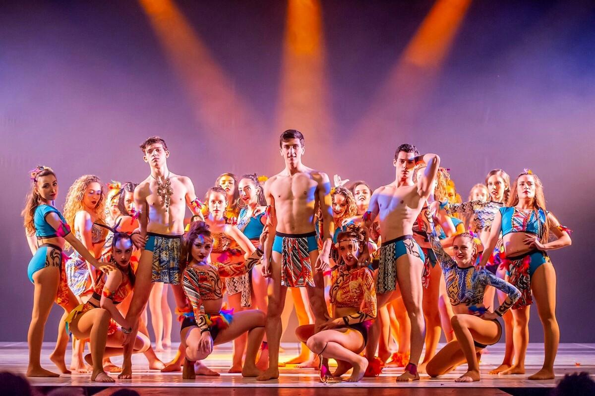 Cinema teatro Charlot, su il sipario: cresce l'attesa per la performance di Spanish Harlem Dance