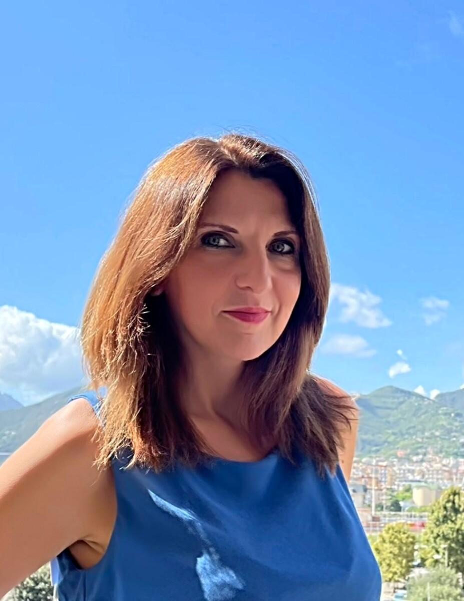 """Lista civica Prima Salerno, scende in campo anche Annalisa Parente: """"Al 1° posto i bambini"""""""