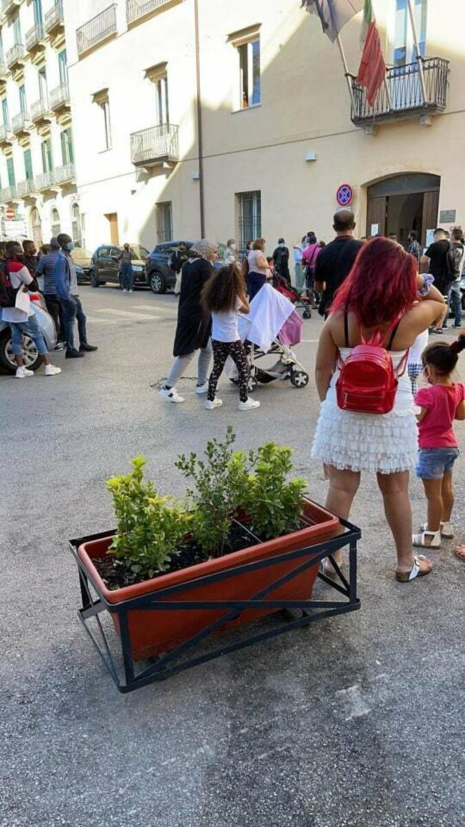 Degrado e rifiuti da Sant'Eustachio a piazza Matteo Luciani: le segnalazioni