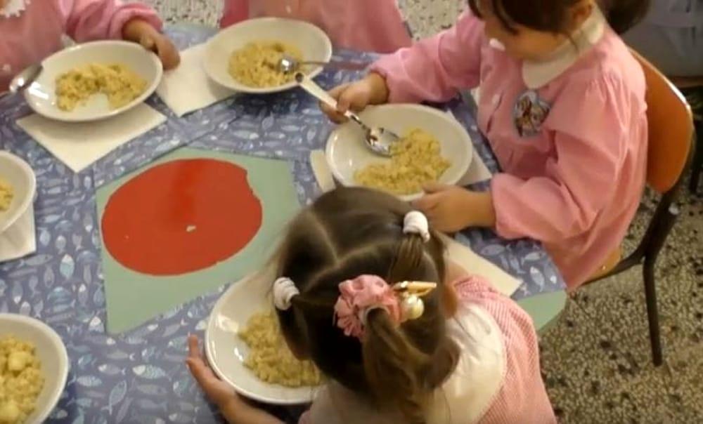 Refezione scolastica a Salerno: il Comune attiva il servizio