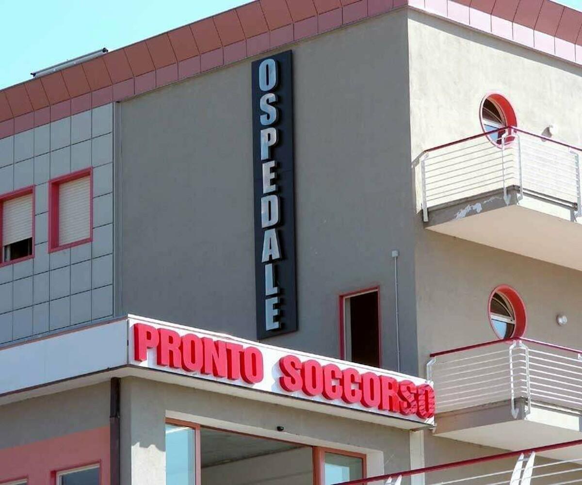 Furto in ospedale a Sarno: rubati 500 euro ad un paziente