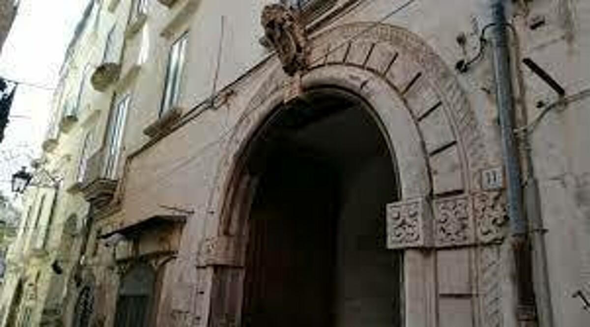 """Vendita di Palazzo d'Avossa, la reazione di Sonia Alfano (FdI): """"Rispettare la storia dei territori"""""""