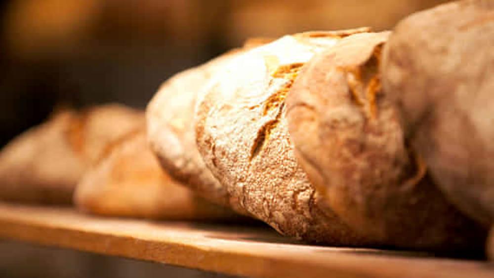 Stangata in arrivo sul pane: 1 euro in più per ogni kg anche in Campania