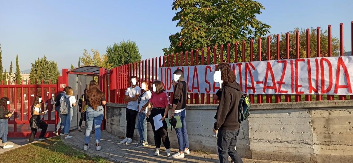 Unisa, numero chiuso al test di professioni sanitarie: protestano gli studenti