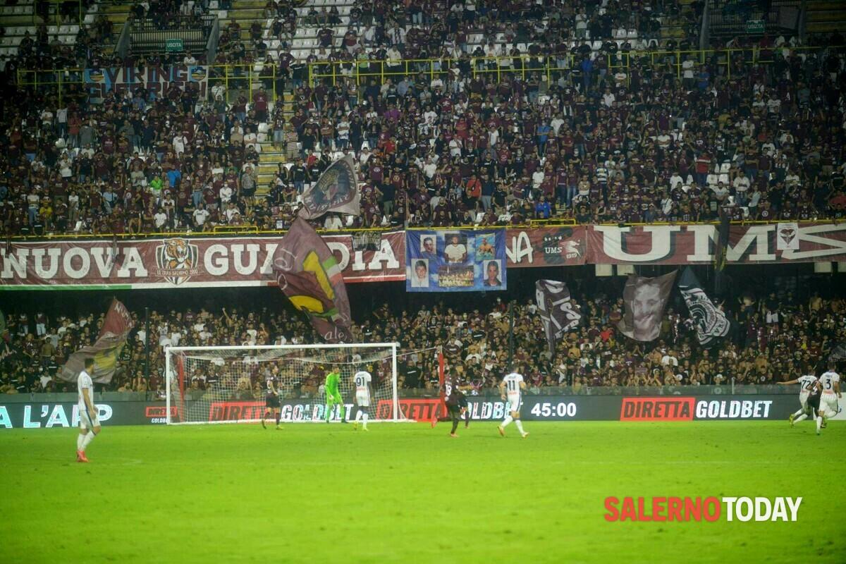"""Salernitana bella e sfortunata contro l'Atalanta, la voce dei tifosi: """"Perdere così fa male"""""""