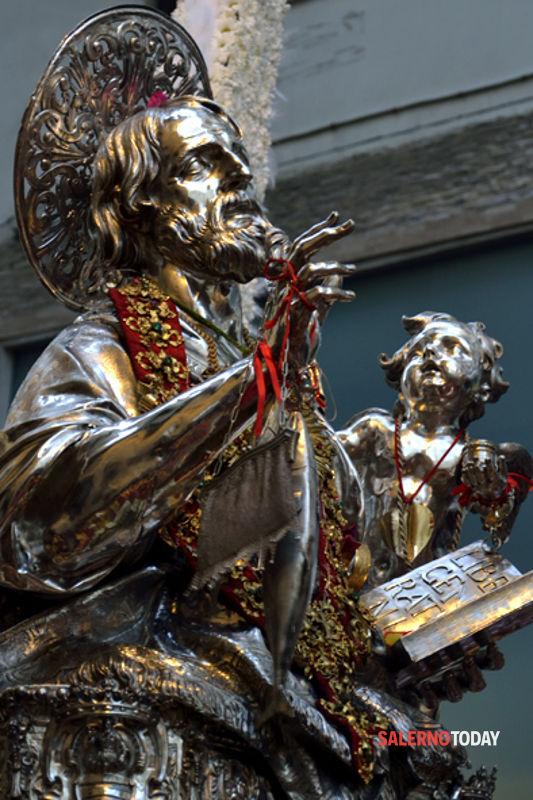 """San Matteo celebrato in piazza della Libertà, l'Aisp: """"Un'altra beffa al commercio"""""""