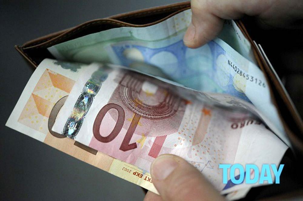 Rubò il portafogli di una cancelliera a Salerno: arrestato il ladro seriale