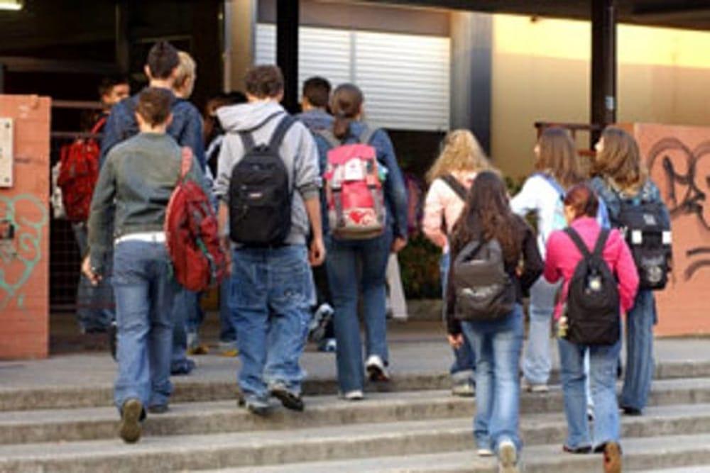 Ritorno a scuola nel salernitano, nuova modifica dalla Prefettura: ingressi scaglionati