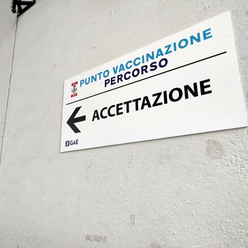 """Vaccini anti-Covid, nuovo """"Open Day"""" al Palasport di Nocera Inferiore"""