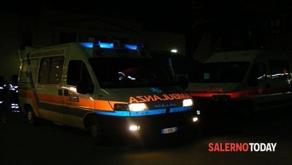 Incidente tra auto sulla Cilentana: due donne in ospedale